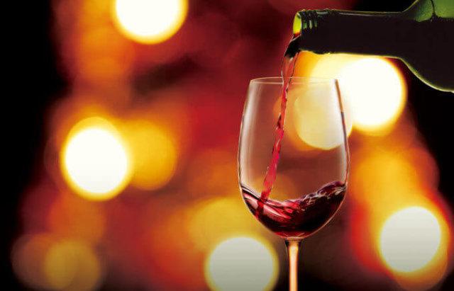 赤ワインにはポリフェノールがたくさん含まれる