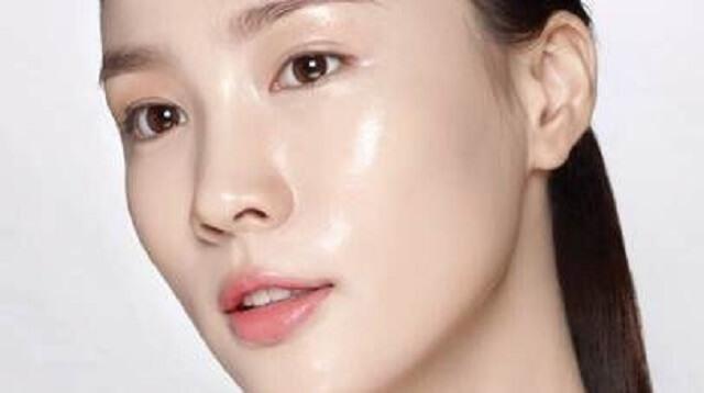 韓国人美肌女性